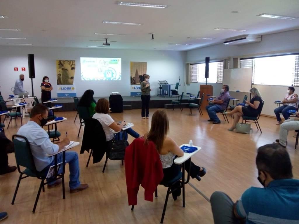 Conevale realiza reunião para a formação de Lideranças na região