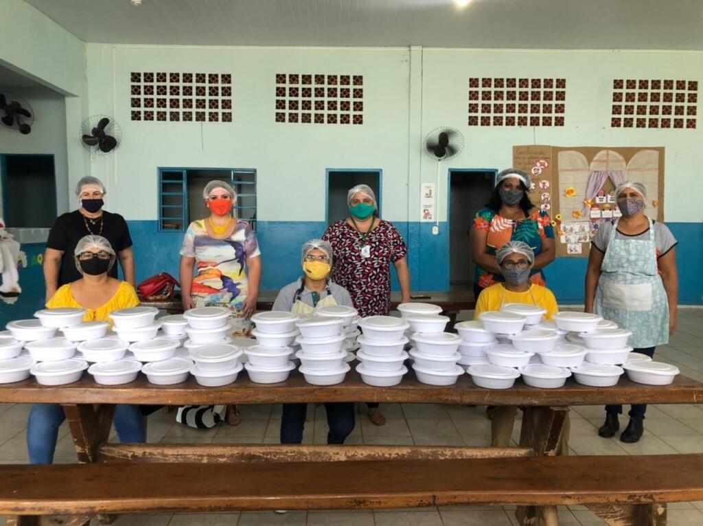 Assistência Social de Naviraí forneceu 450 marmitas às pessoas necessitadas