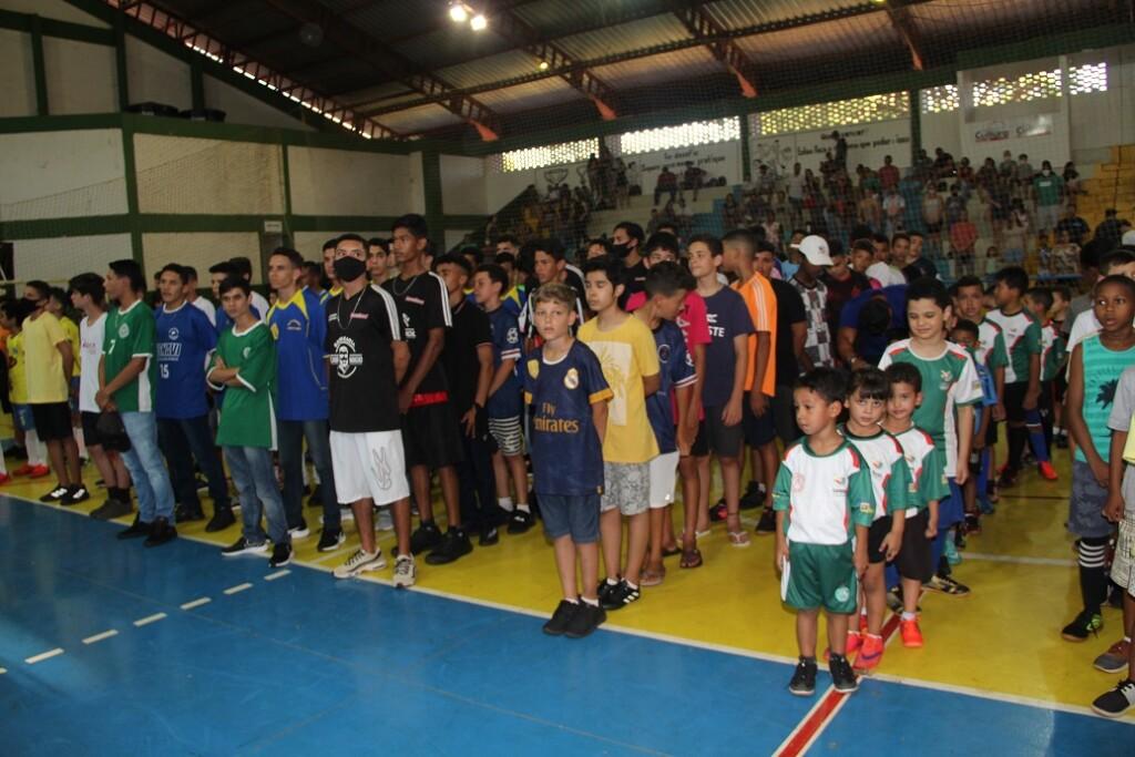 Prefeitura de Naviraí abre a 24ª Copa Chama de Futsal com 67 times